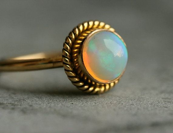 18K Gold Opal ring Natural