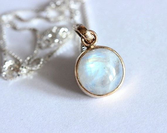 18K gold moonstone pendant - Gift for her - Unique Moonstone jewelry