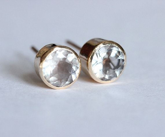 18K gold natural crystal stud