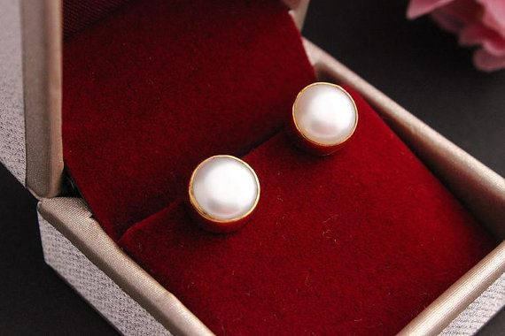 22k Gold Pearl Stud Earrings
