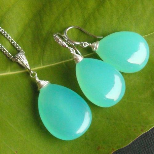 Aqua blue chalcedony pendant earrings