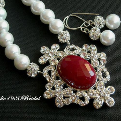 Bridal necklace earrings Pearl necklace