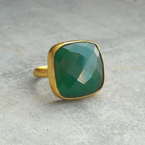 Emerald green ring 23k gold