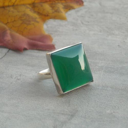 Emerald green ring square gemstone