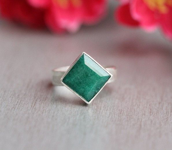 Emerald ring Precious ring Green
