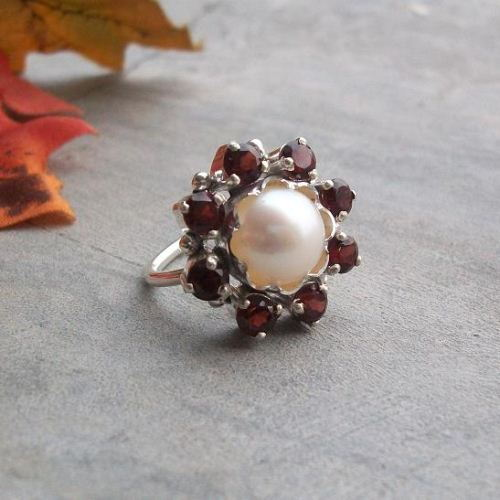 Garnet ring Flower sterling silver