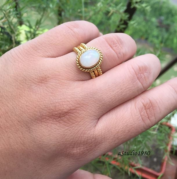 Gold Opal wedding ring for
