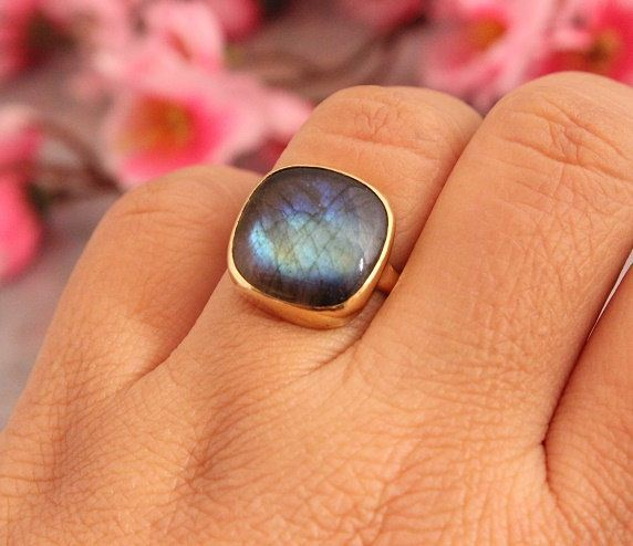 Gold Ring Labradorite ring 18k