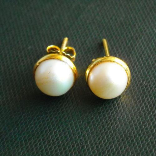 Gold pearl earrings 8mm stud