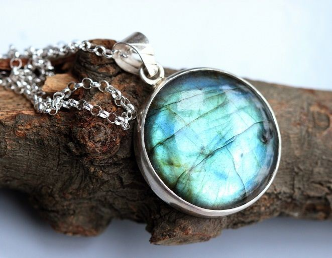 Natural Labradorite pendant necklace Labradorite