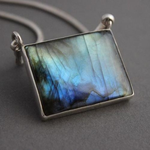 Natural labradorite pendant chain fire