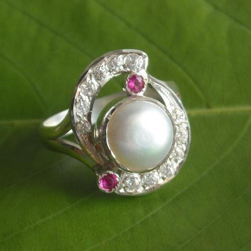 Pearl and ruby ring Sterling