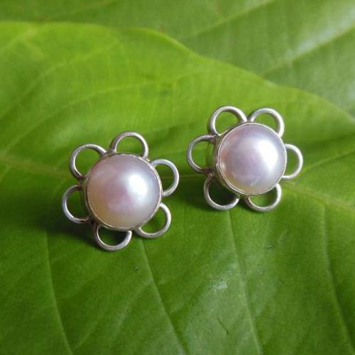 Pearl earrings Stud earrings Pearl
