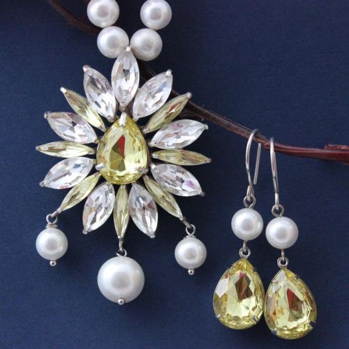 Pearl pendant crystal necklace wedding