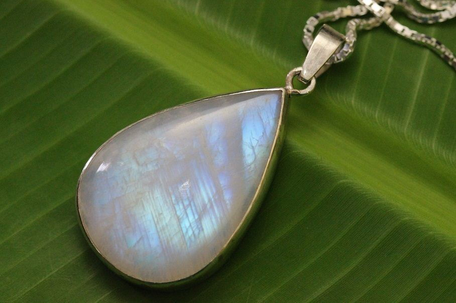 Teardrop rainbow moonstone pendant chain