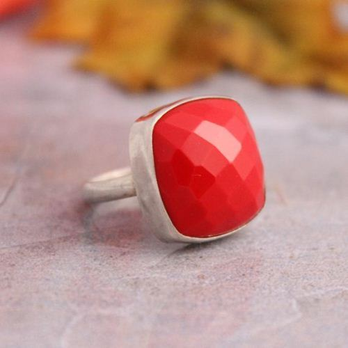 Red coral ring Square shape