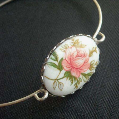 VINTAGE flower cab sterling silver bangle bracelet