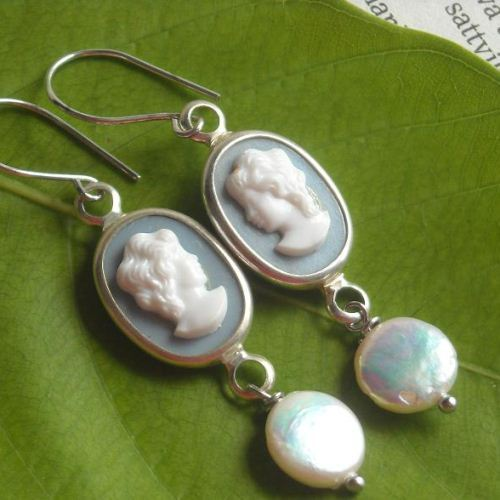 Vintage lady cameo coin pearl earrings