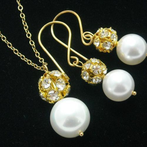 Wedding jewelry Pearl earrings